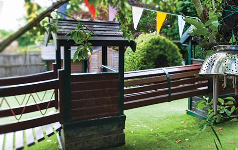 http://www.little-steps.co.uk/wp-content/uploads/2017/07/little-steps-day-nursery-garden-climbing-frame.jpg