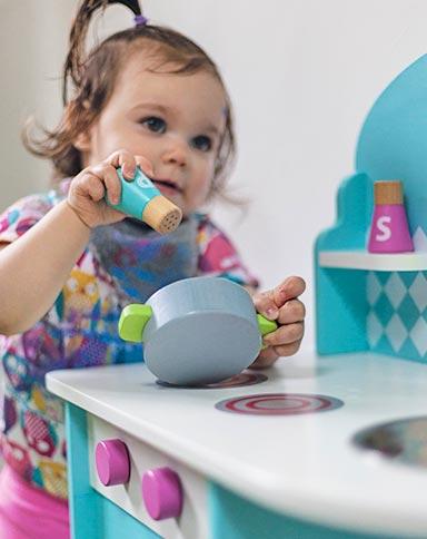 http://www.little-steps.co.uk/wp-content/uploads/2017/07/little-steps-day-nursery-happy-child-06.jpg